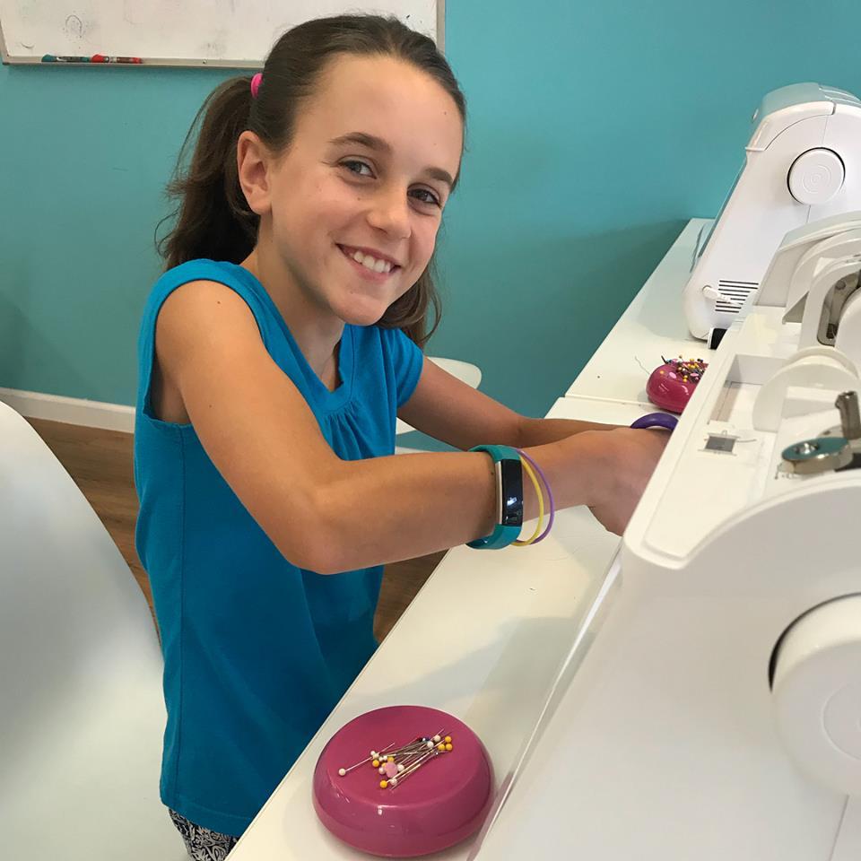 girl_sewing-2